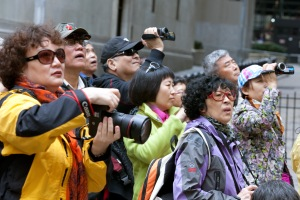 A stereotypical crowd of Chinese tourists. Photo: dish.andrewsullivan.com
