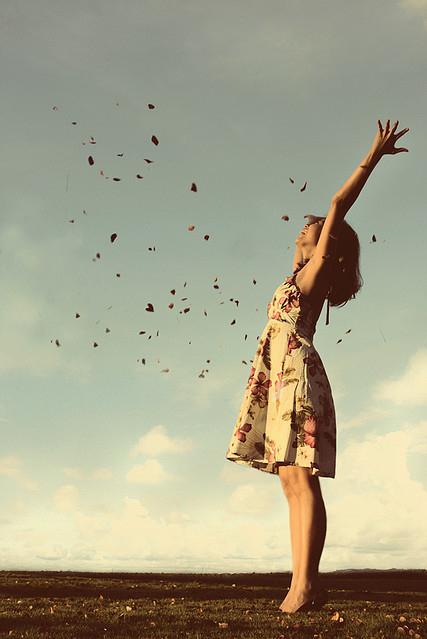 forever-alone-girl-happy-liberty-favim-com-125658