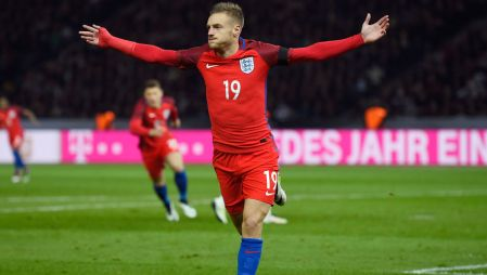 BERLIN, GERMANY - MARCH 26: Jamie Vardy of England celebrates scoring his team's second goal during the International Friendly match between Germany and England at Olympiastadion on March 26, 2016 in Berlin, Germany. (Photo by Mike Hewitt/Getty Images)