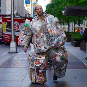 Rob_Greenfield_the_Trash_Man_Day_26_73_pounds_of_trash_Photo_by_www.GaryBencheghib.com_(1).jpg